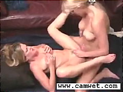 Two smoking hot bettys with dildos