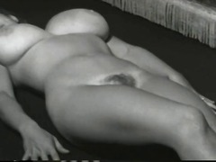 Bald woman pussy squirt