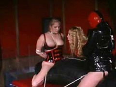 latex, domina, szado-mazo