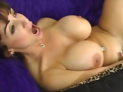 summer cummings,  strap-on dildo, isot rinnat, lesbo,