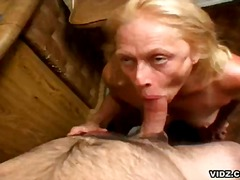 Granny longs for cunt to mouth cumshot