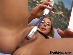 Her pussy squirts from the pleasure