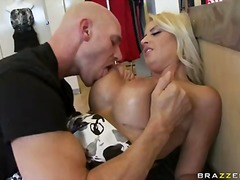 Buxom blonde chantelle skye seduces the