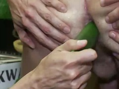 insteek, bdsm, dominasie, knegskap, hard, hand job