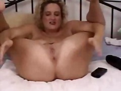 Blonde mature amateur extreme huge toys insertions