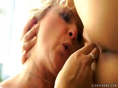 Mira shine and jennyfer pleasing each other outdoors