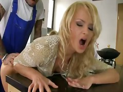 Ivana sugar is hungry for some