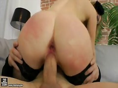 Glamorous and horny babe suzanna scott in sexy black stockings gets her ass driller