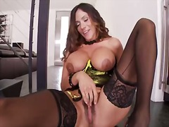 Busty bitch ariella ferrara rubs her sweet nipples and rubs her gorgeous clit