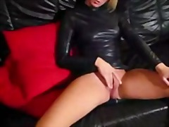 hand job, lateks, blond, leer