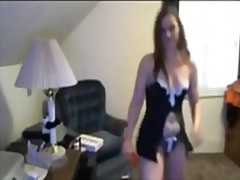 Sexy cutie dancing on livecam (non undressed)
