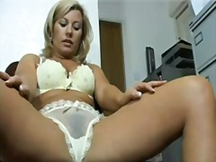 Super milf tracey coleman's perfect cameltoe!