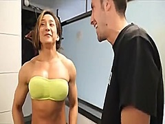 Pumped up gym doxy fucking in the gym